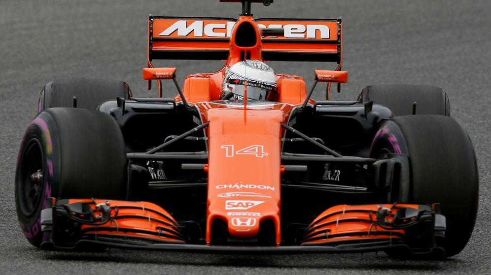 Foto: Fernando Alonso en la pista de Montmeló. (Reuters)