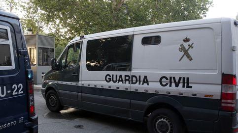 Un guardia civil muere en la A-1 tras ser arrollado por una furgoneta