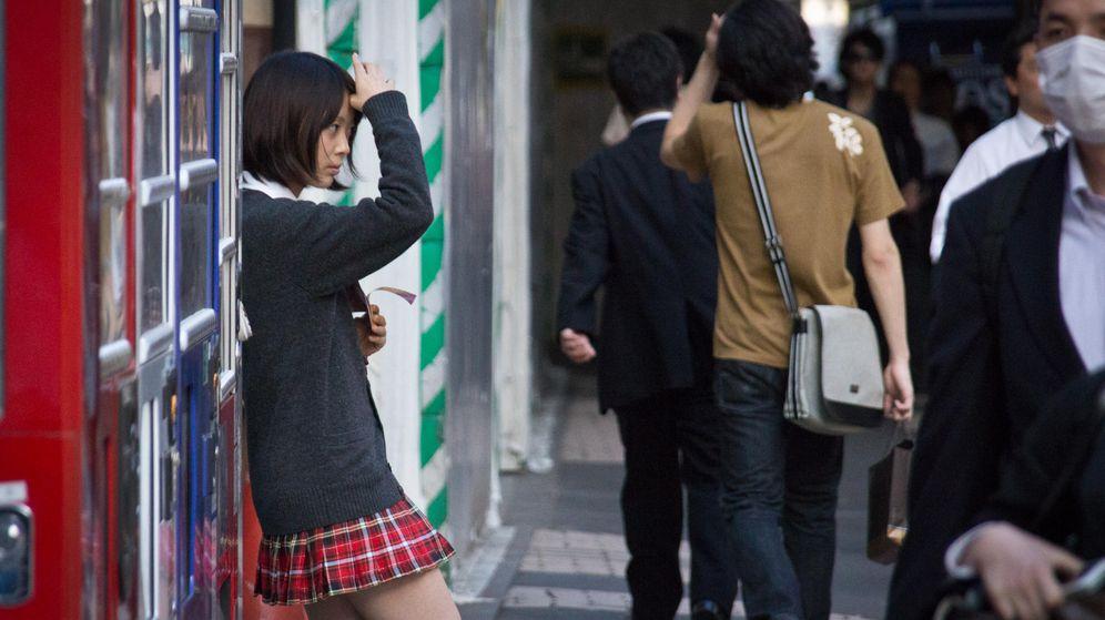Foto: Una 'colegiala' en una calle de Akihabara. (John Gillespie/CC)