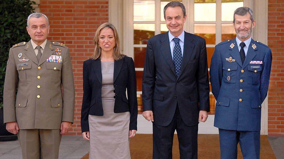 Foto: De i a d: Fulgencio Coll, la exministra de Defensa Carme Chacón, el expresidente José Luis Rodríguez Zapatero y el exJemad José Julio Rodríguez. (Moncloa)