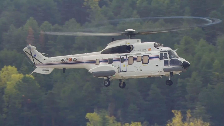 Llega el segundo Super Puma del 402 Escuadrón del Ala 48 del Ejército del Aire al Valle de los Caídos (Reuters)