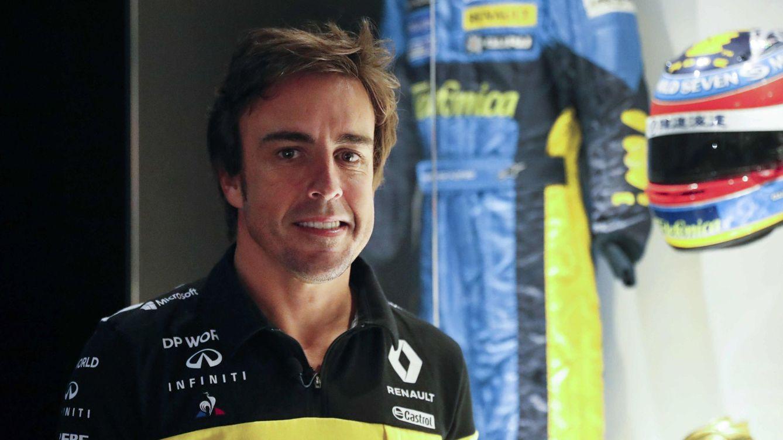 Foto: Alonso, en su museo, el día del anuncio de su retorno a Renault (EFE)