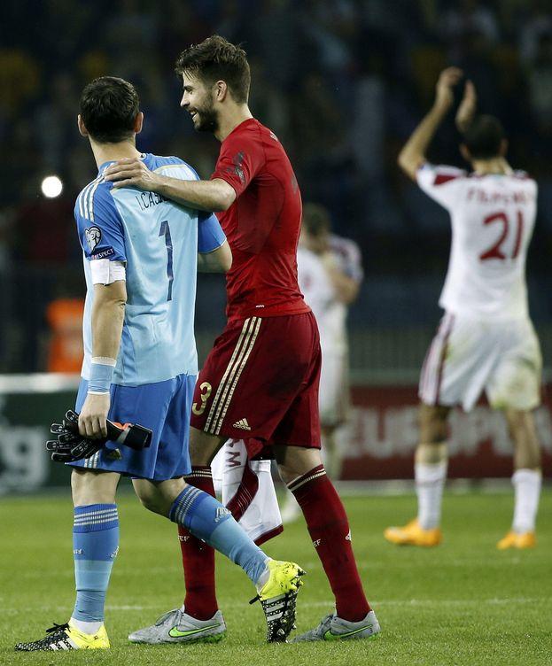Foto: Casillas brilla con España, mientras en Manchester ya ven fuera a De Gea