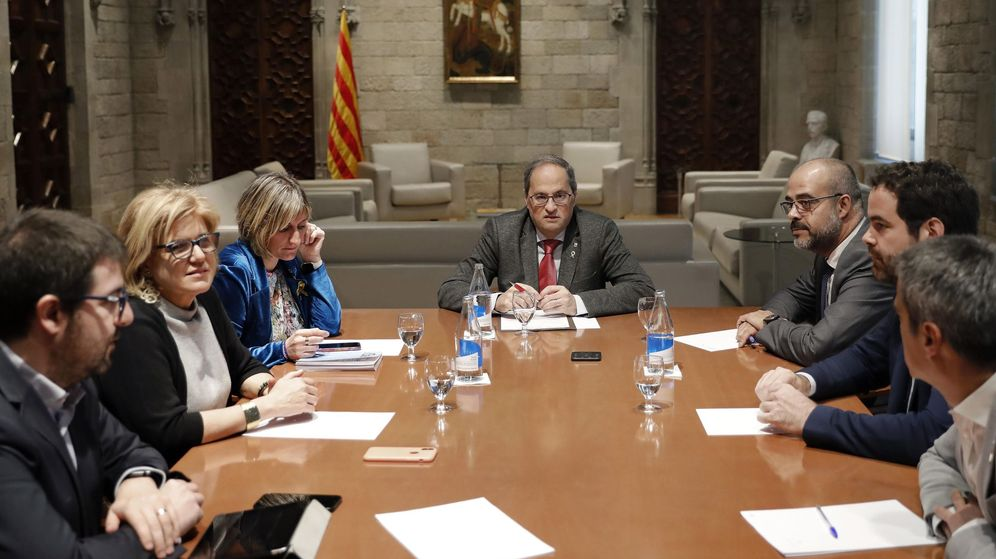 Foto: El presidente de la Generalitat, Quim Torra (c) , acompañado por la consellera de Sanidad, Alba Vergés (i) y el conseller de Interior, Miquel Buch (d). (EFE)