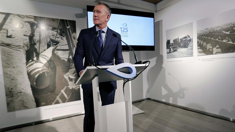 El presidente del Grupo Aguas de Valencia, Eugenio Calabuig, en la exposición 'Hechos de agua'. (EFE)