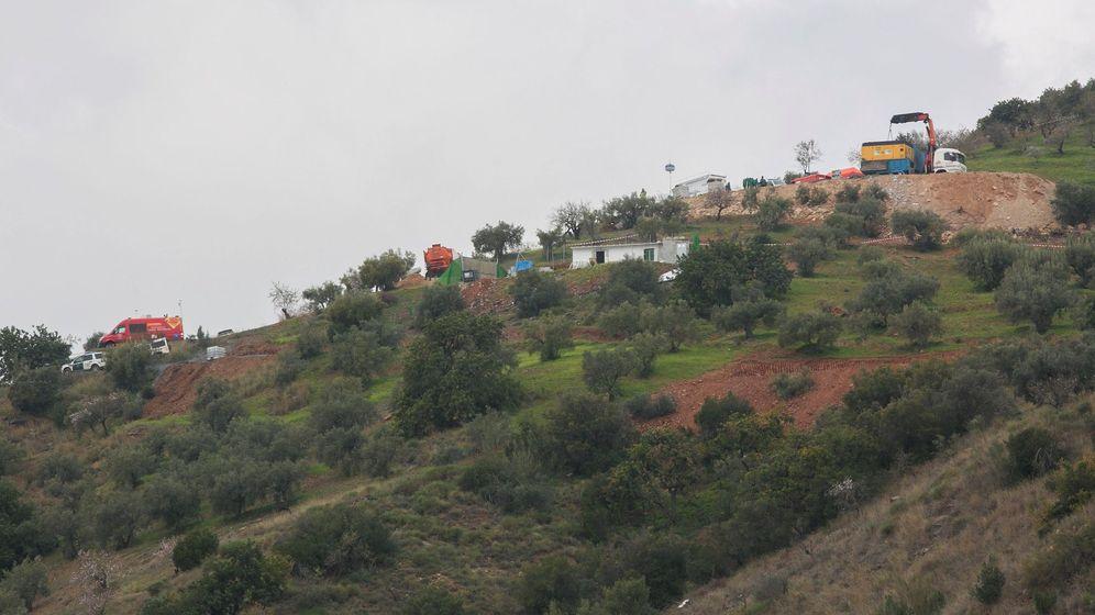 Foto: Los equipos de rescate para hallar a Julen, que cayó a un pozo en la localidad malagueña de Totalán, han comenzado a abrir un túnel lateral. (EFE)