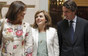 Aznar cierra heridas tras el vacío a su libro y el 'olvido' de la campaña