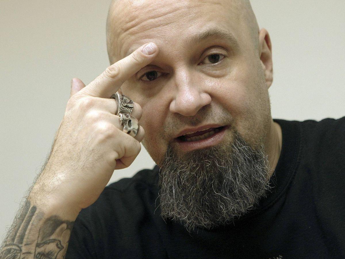 Foto: César Strawberry, letrista y líder de la banda Def Con Dos. (EFE)