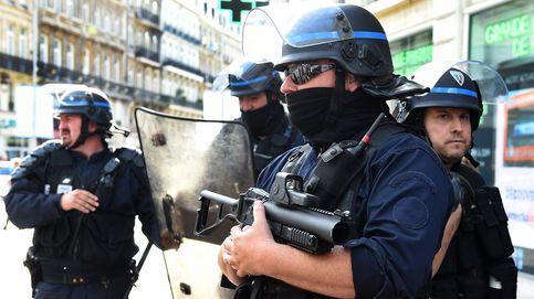 Francia se cubre de gloria al reunir en Lille a aficionados ingleses y rusos