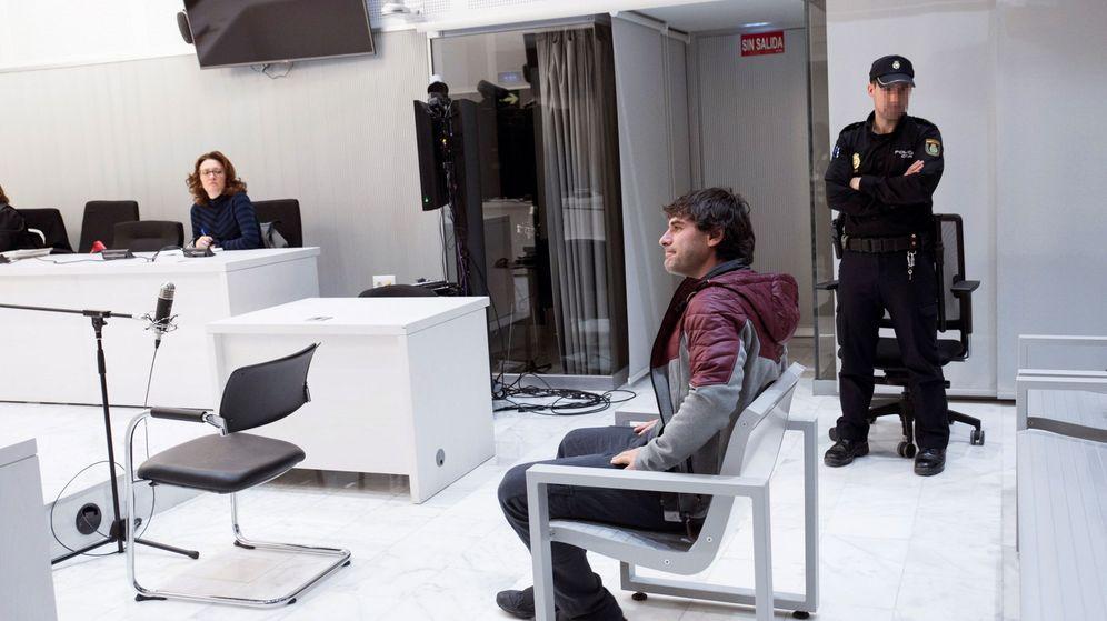 Foto: El miembro de ETA Ugaitz Errazkin, durante el juicio celebrado en la Audiencia Nacional. (EFE)