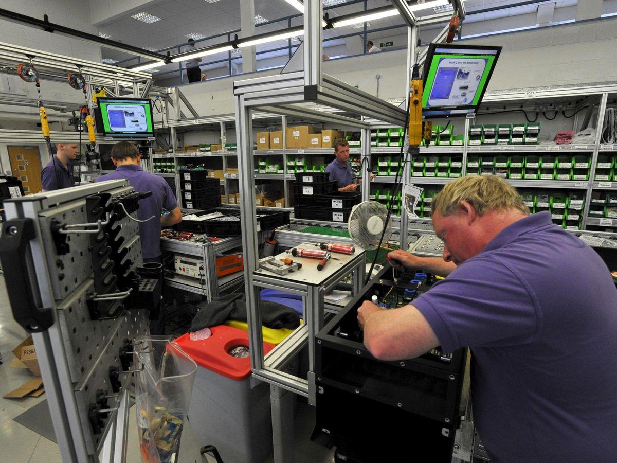 Foto: Hay muchas razones para cambiar de empleo, como sueldos, reconocimiento o conciliación con los horarios (Reuters/Rebecca Naden)