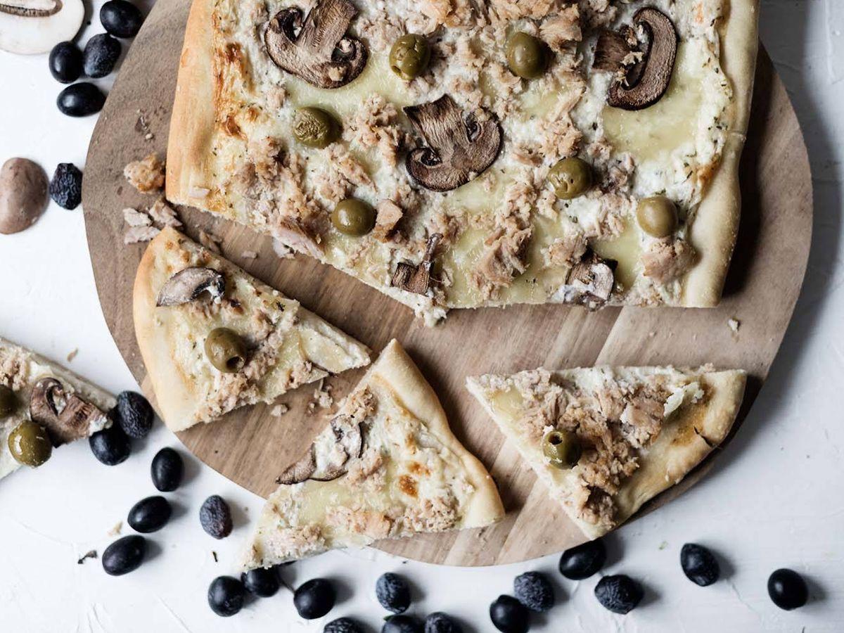 Foto: Pizza casera de atún. (Foto: Snaps Fotografía)