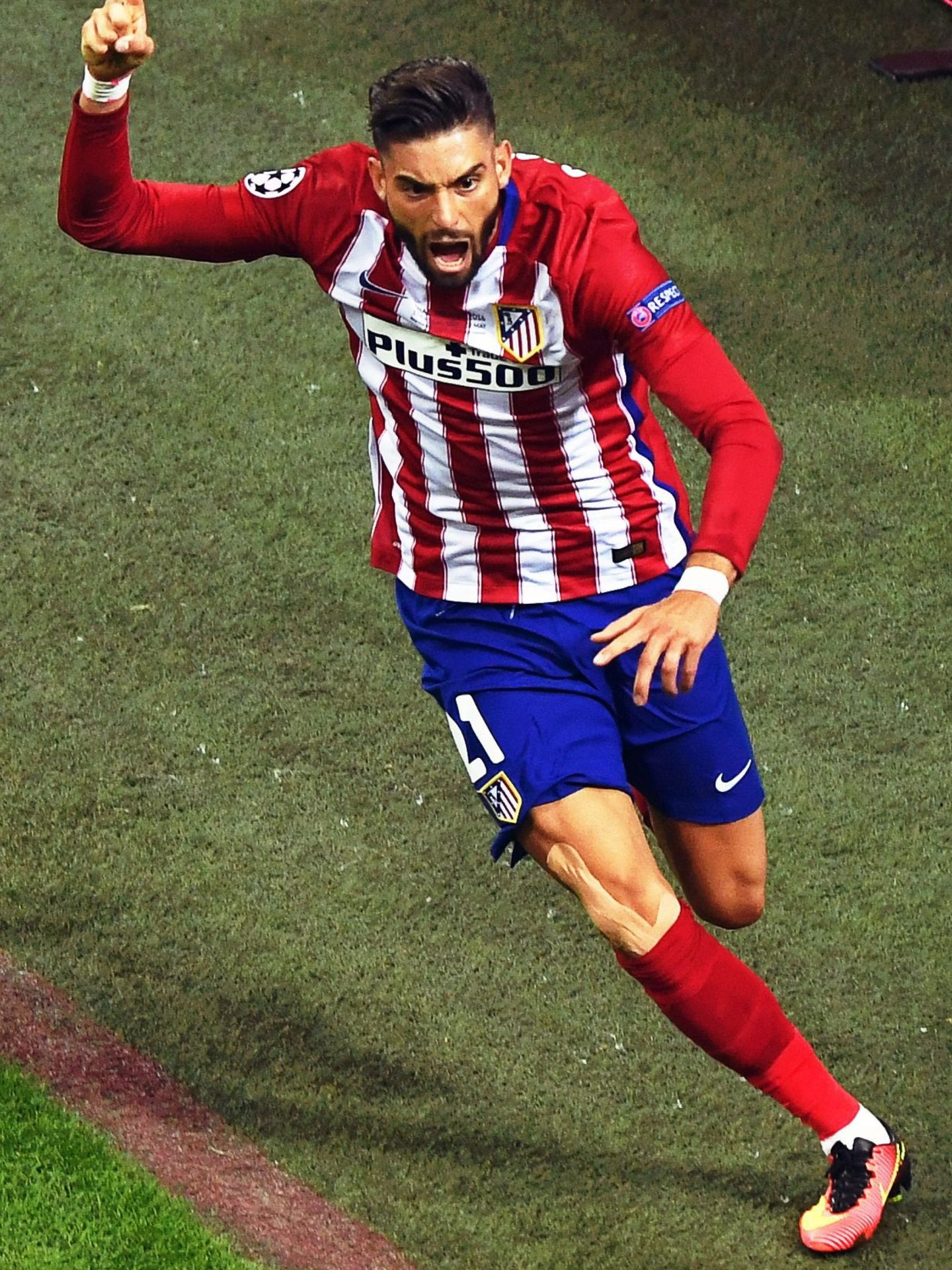 . Milan (Italy), 28 05 2016.- Atletico Madrid's Yannick Carrasco celebrates after scoring the 1-1 equalizer during the UEFA Champions League final between Real Madrid and Atletico Madrid at the Giuseppe Meazza Stadium in Milan, Italy, 28 May 2016. (Liga de Campeones, Italia) EFE EPA CHRISTIAN BRUNA