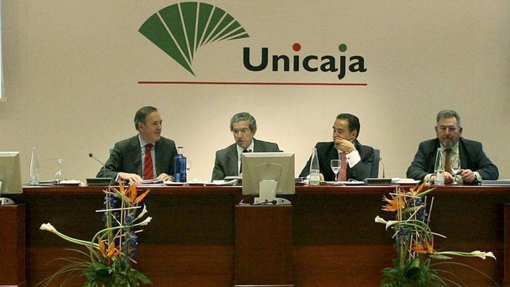 Foto: Manuel Atencia (a la izquierda), junto a Braulio Medel, en una imagen de archivo de Unicaja.
