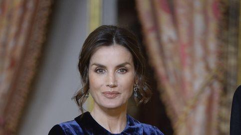 El vestido 'horror vacui' de la reina Letizia en la recepción al cuerpo diplomático