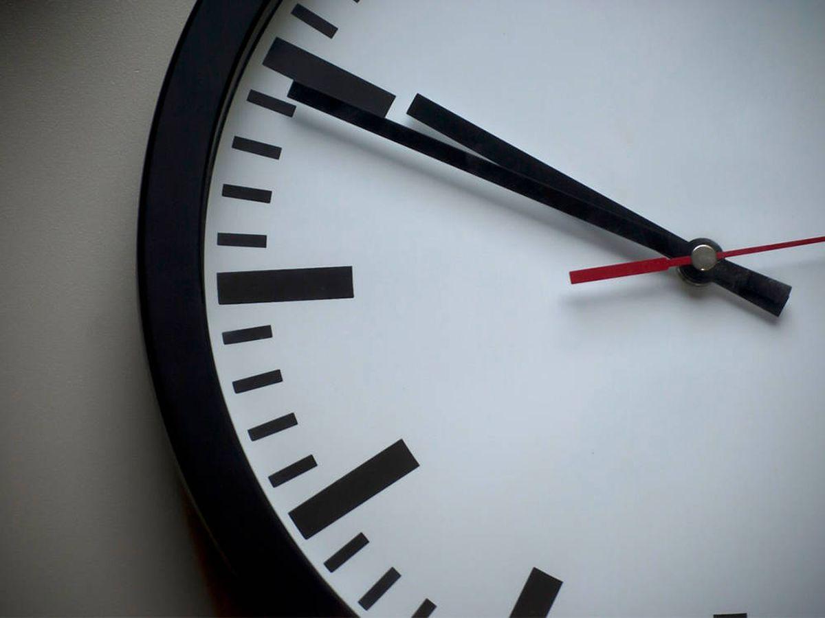 Foto: Relojes de pared para decorar en casa y no llegar nunca tarde (Pixabay)