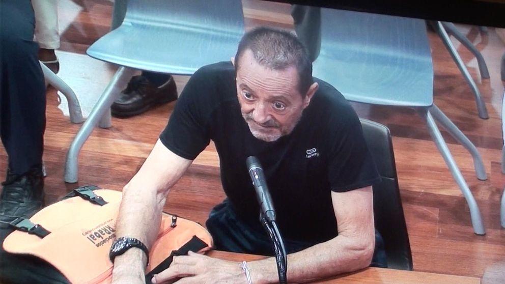 Julián Muñoz abandona el hospital entre fuertes medidas de seguridad
