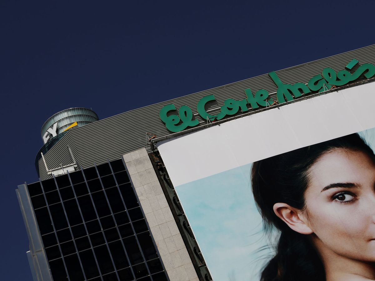 Foto: File photo: the outside of an el corte ingles store is seen in madrid
