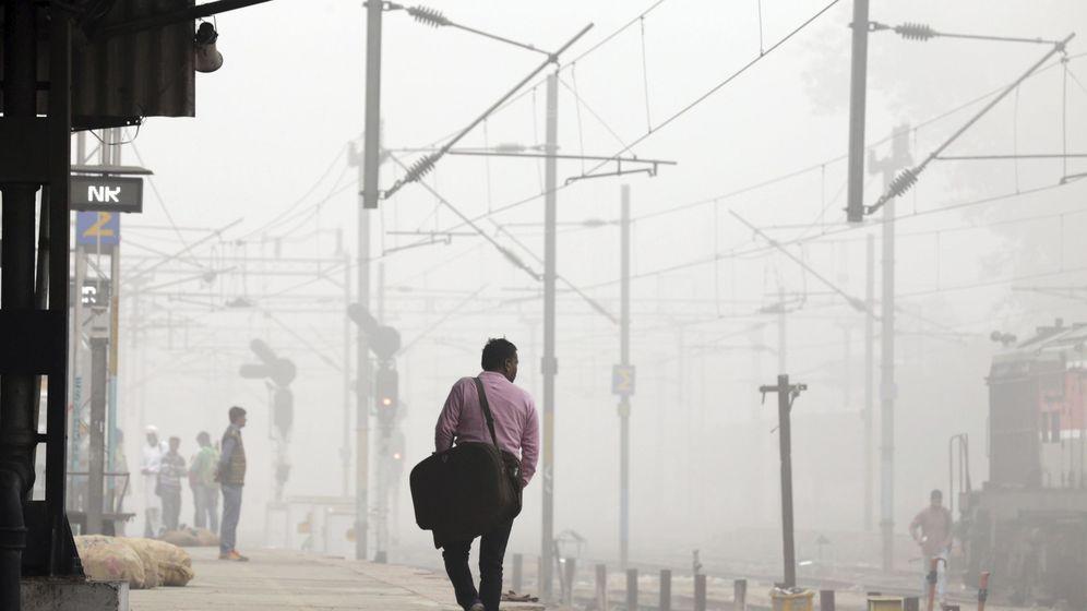 Foto: Los lugares con pocas horas de luz son más propensos a generar alcohólicos (EFE/Raminder Pal Singh)