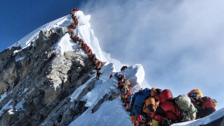 Por qué el Everest esquiva la crisis del coronavirus y toma medidas para los atascos