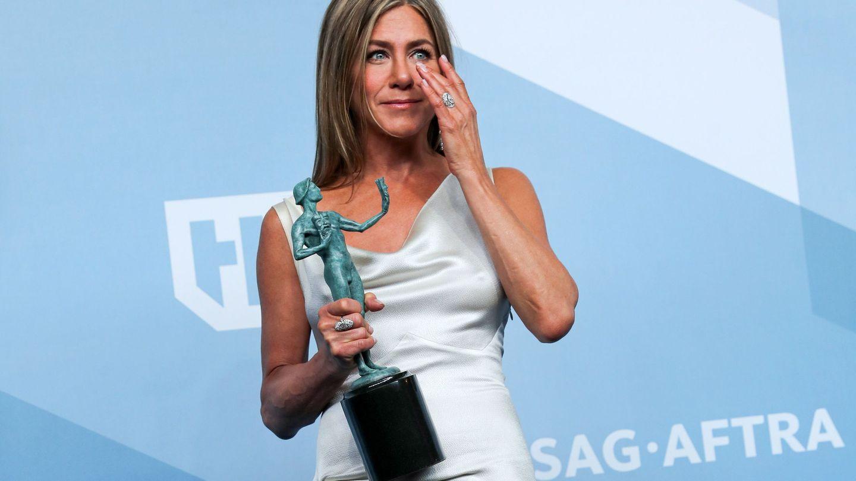 Jennifer Aniston recoge su premio SAG con un vestido vintage. (EFE)