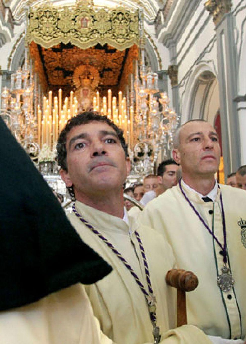 Foto: Banderas se une a las procesiones malagueñas