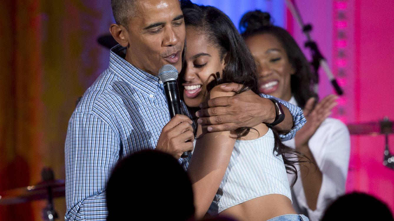 Obama canta a su hija en el día de su cumpleaños