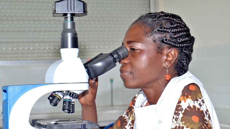 ¿Por qué no hay más Erasmus africanos en Europa? Así le cambió la vida a una doctora pionera