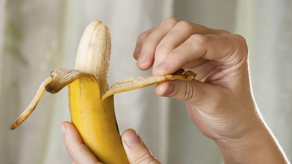 Cómo pelar bien un plátano y otros 5 trucos sobre la comida