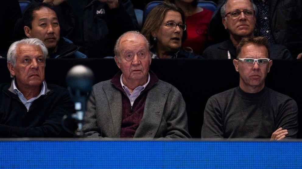 El rey Juan Carlos reaparece (con menos peso) en el partido de un enfadado Nadal