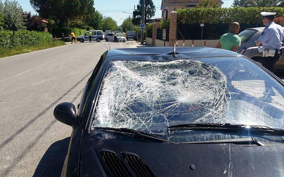 Foto: Imagen del coche que atropelló a Nicky hayden. (EFE)