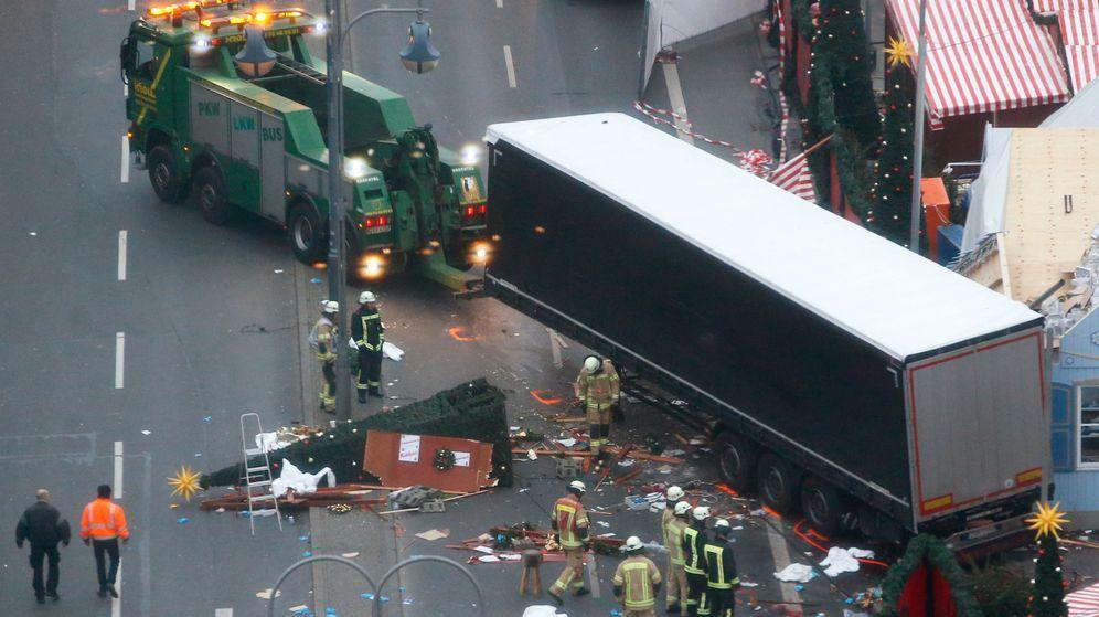 Foto: Así quedó el mercadillo navideño de Berlín después de que un camión arrollara a decenas de personas. (Reuters)