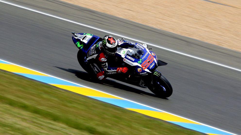 Jorge Lorenzo arrasa en Le Mans y Viñales sube por primera vez al podio