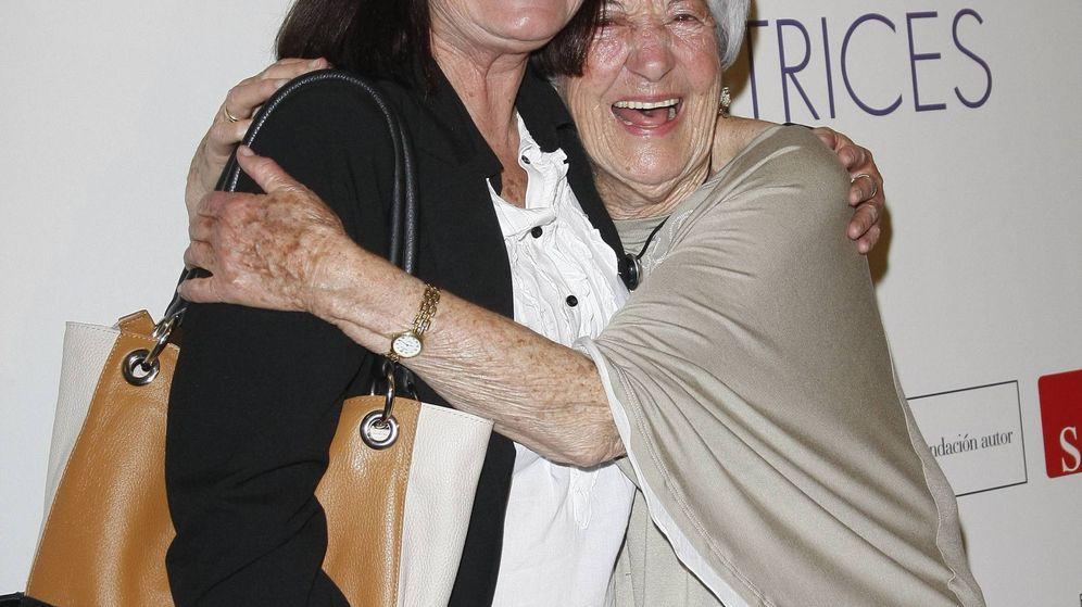 Foto: Asunción Balaguer junto a su hija, Teresa Rabal, en una imagen de archivo. (Cordon Press)