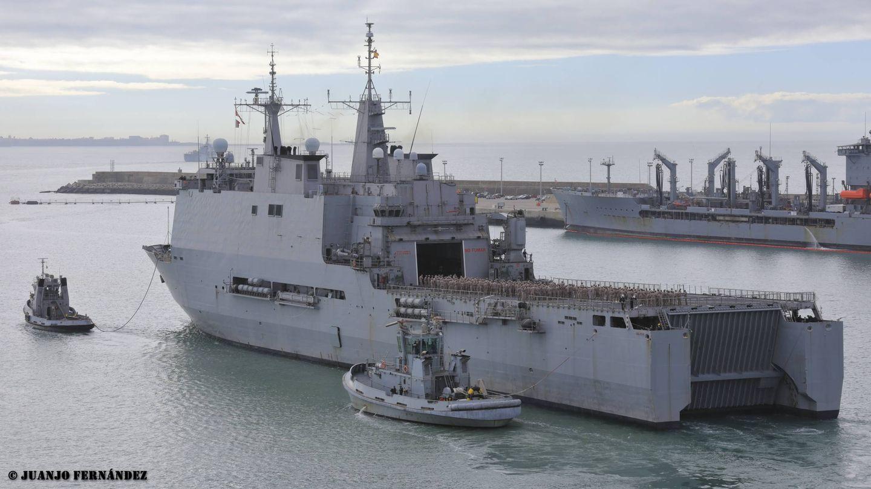 Buque Galicia. En la cubierta alta, sobre el hangar, debería estar el montaje de defensa de punto. (Juanjo Fernández)