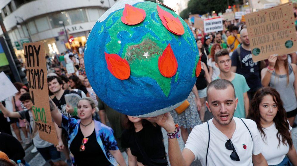 Foto: Los estudiantes italianos estudiarán el cambio climático durante una hora a la semana (EFE/Kai Försterling)