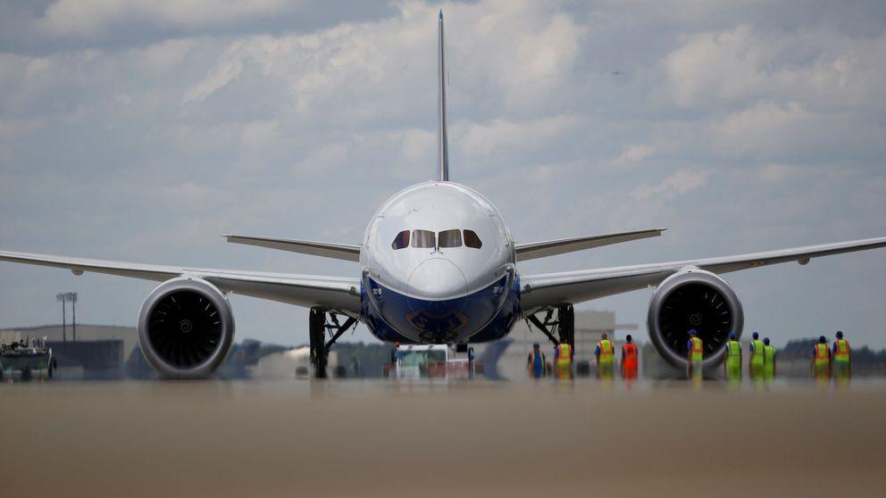 Los dos nuevos gigantes de Boeing y Airbus vuelan por primera vez