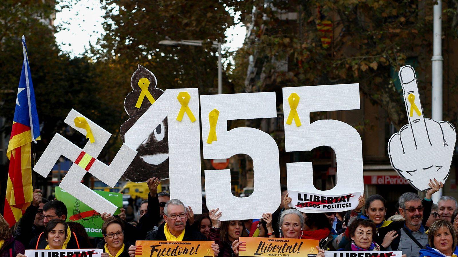 Foto: Protestas en Cataluña ante la aplicación del 155. (Reuters)