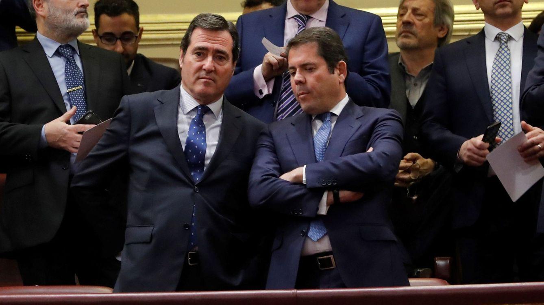 Foto: Los presidentes Antonio Garamendi (CEOE) y Gerardo Cuerva (CEPYME) en el Congreso. (Ballesteros/EFE)