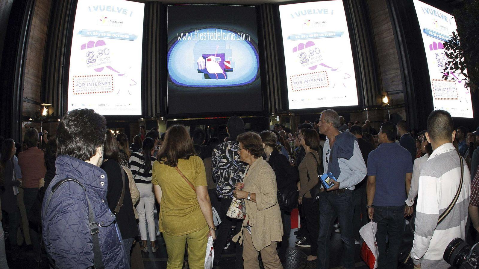 Foto: Colas en la Fiesta del cine del año pasado (EFE)
