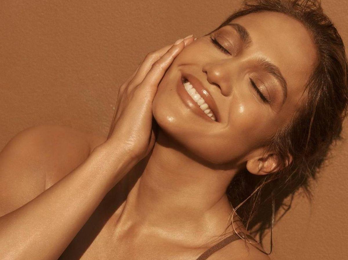 Foto: Iluminadores perfectos para brillar como Jennifer Lopez. (Instagram @jlo)