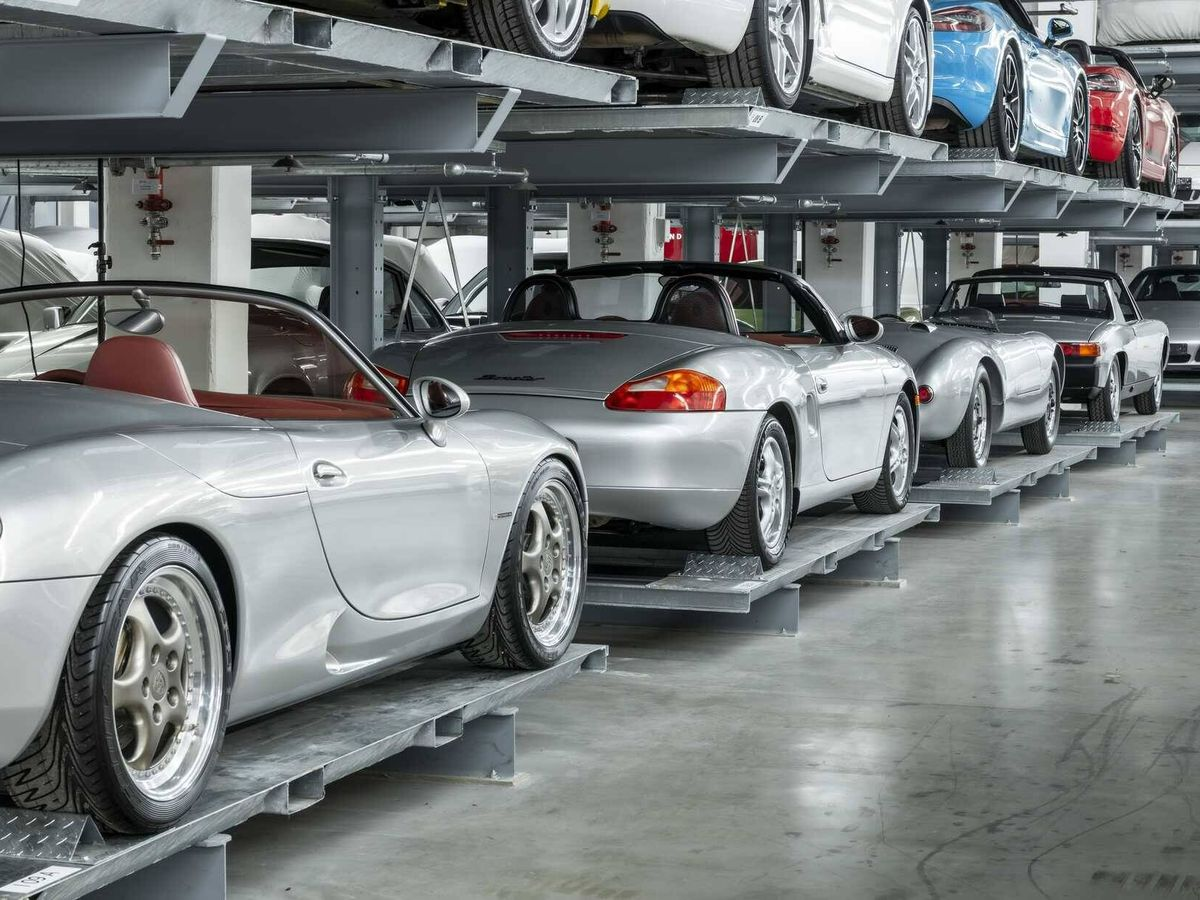 Foto: Evolución del Porsche Boxster desde el prototipo mostrado en el Salón de Detroit de 1993.