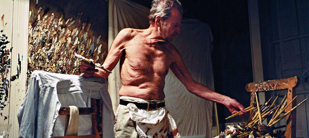 Foto: Lucian Freud, en una foto de archivo en 2010, trabajando en su taller. (Efe)
