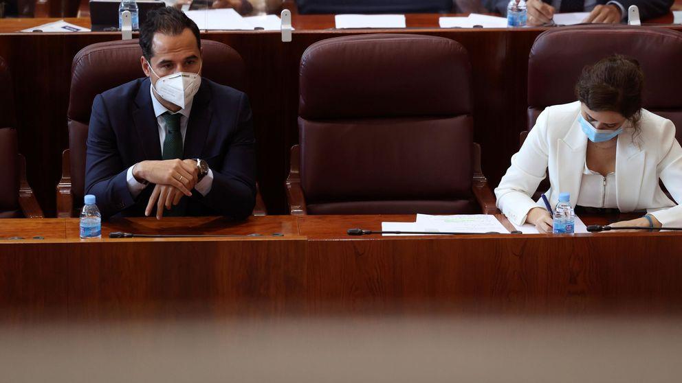 Aguado y casi todo el Gobierno madrileño ignoraban el anuncio de los confinamientos