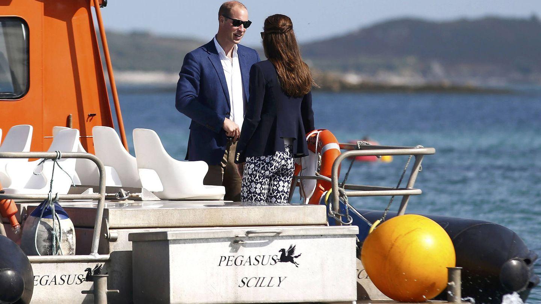 Los duques de Cambridge en una visita a las islas Sorlingas. (Getty)