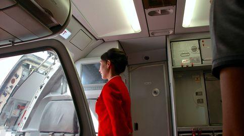 Los rincones de un avión que más bacterias acumulan: intenta no tocarlos