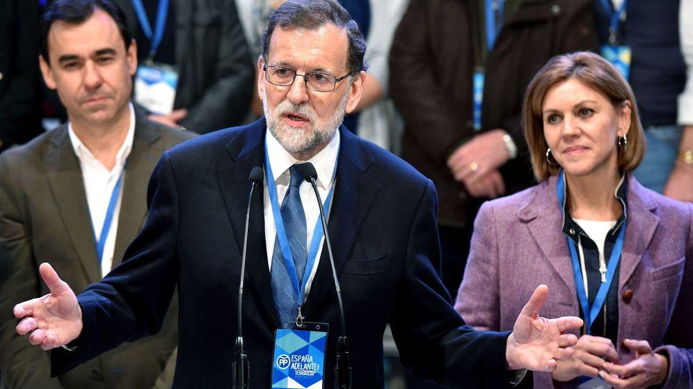 Foto:  El presidente del Gobierno y del PP, Mariano Rajoy, con la secretaria general, María Dolores de Cospedal, y el nuevo coordinador general, Fernando Martínez-Maillo. (EFE)