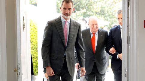 Zarzuela y Moncloa estudian salidas para el Rey emérito