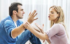 Cómo saber si alguien está siendo infiel sólo con mirarle las manos