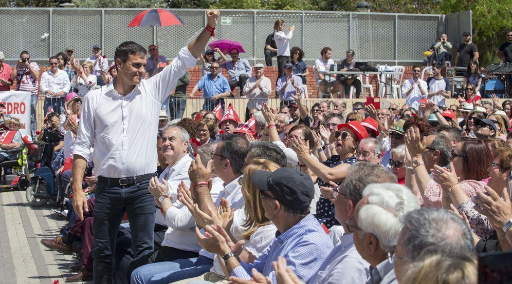 Foto: Pedro Sánchez, este 7 de mayo en un acto con militantes en Murcia. (EFE)